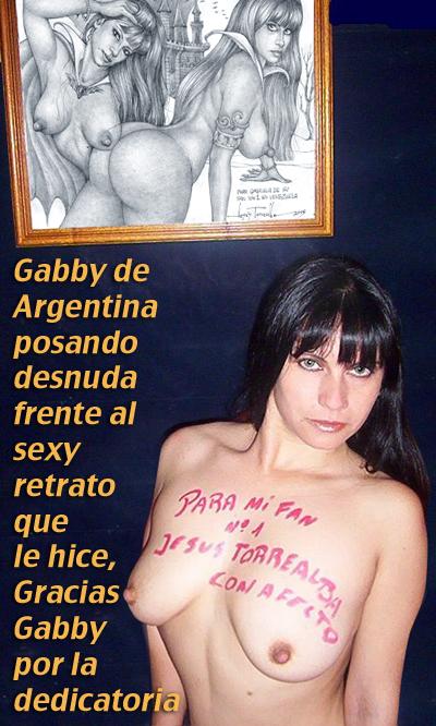 gabby-posando-con-cuadro